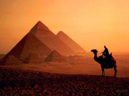 pyramids-and-sphinx-of-Egypt-10