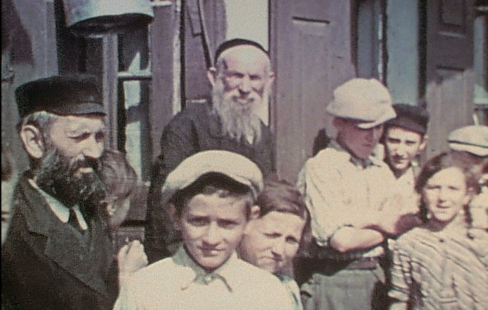 During a 1938 vacation to his hometown, Glenn Kurtz's grandfather filmed the townspeople of Nasielsk, a Jewish community in Poland, just before World War II.
