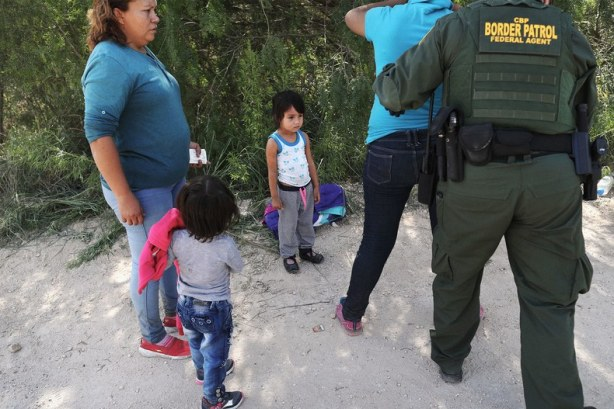 migrant-children-border-lede.jpg